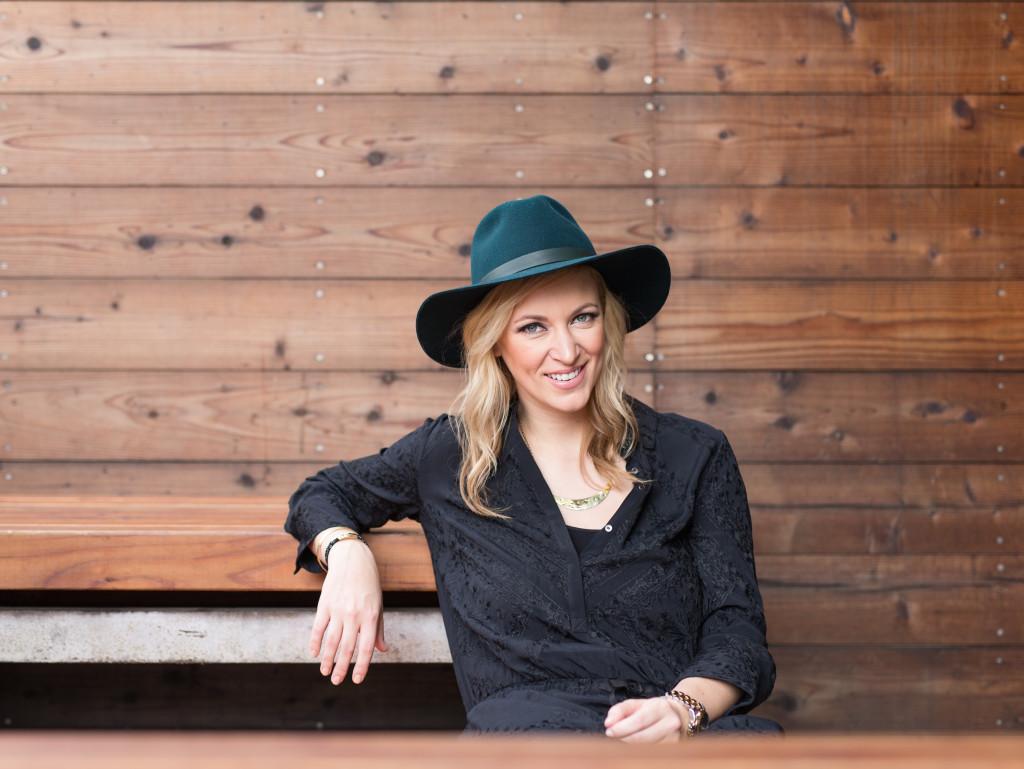 EPSTEIN-2015-01-29-0257 Janessa Leone hat