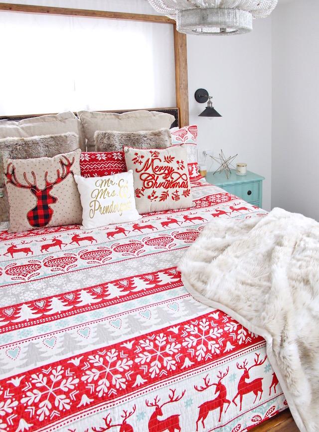Christmas bedding decor