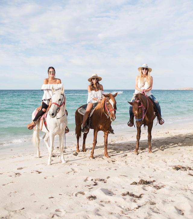 playa-de-la-paz-horses