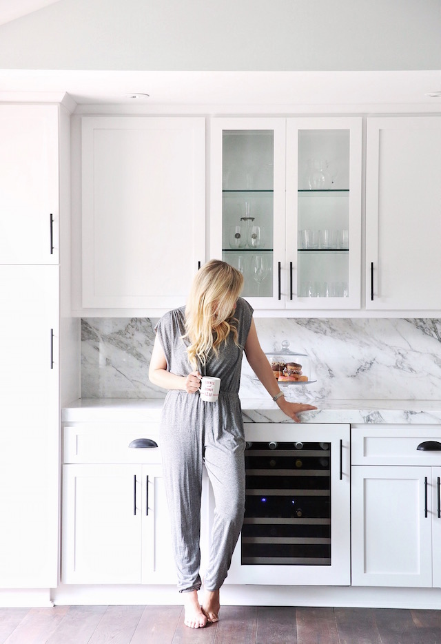 All white kitchen + Calacatta marble