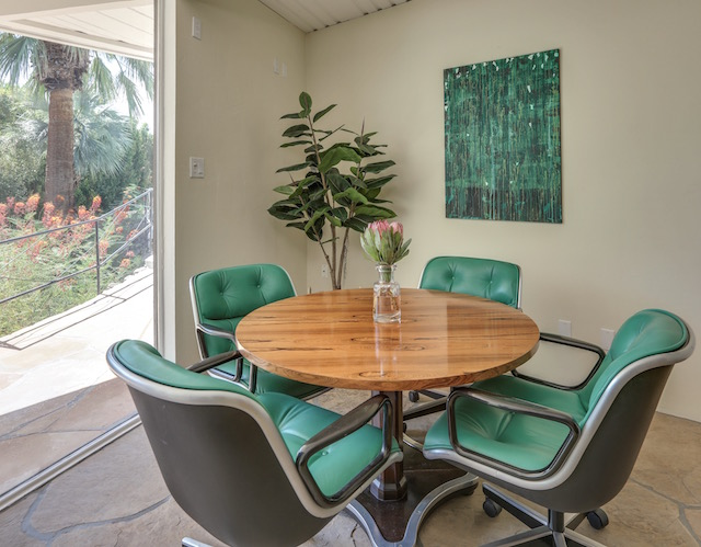 "Blogger Nikki Prendergast's Palm Springs home featuring the ""Linda"" painting from Saatchi Art"