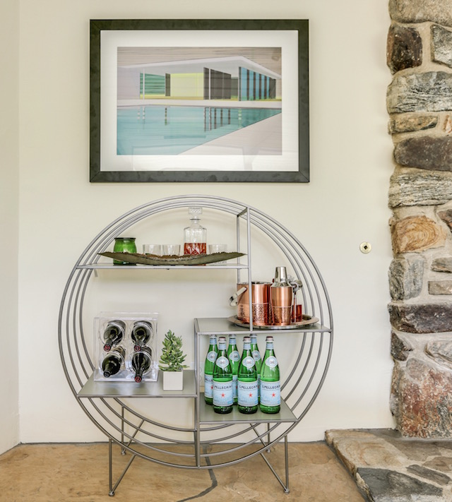 "Blogger Nikki Prendergast's Palm Springs home featuring the ""Refreshing Modernism"" painting from Saatchi Art"