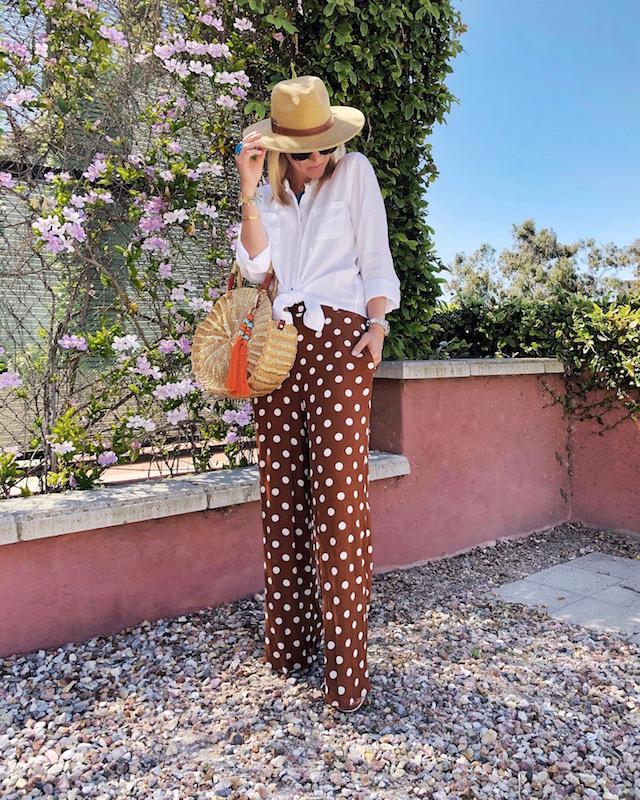 My Style Diaries blogger Nikki Prendergast at Hyatt Regency La Jolla   Forever 21 pants, Lilly Pulitzer shirt, Sam Edelman bag