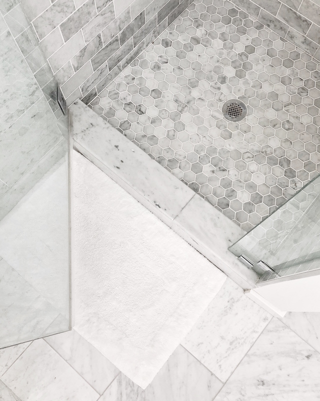 All white master bathroom   My Style Diaries blogger Nikki Prendergast