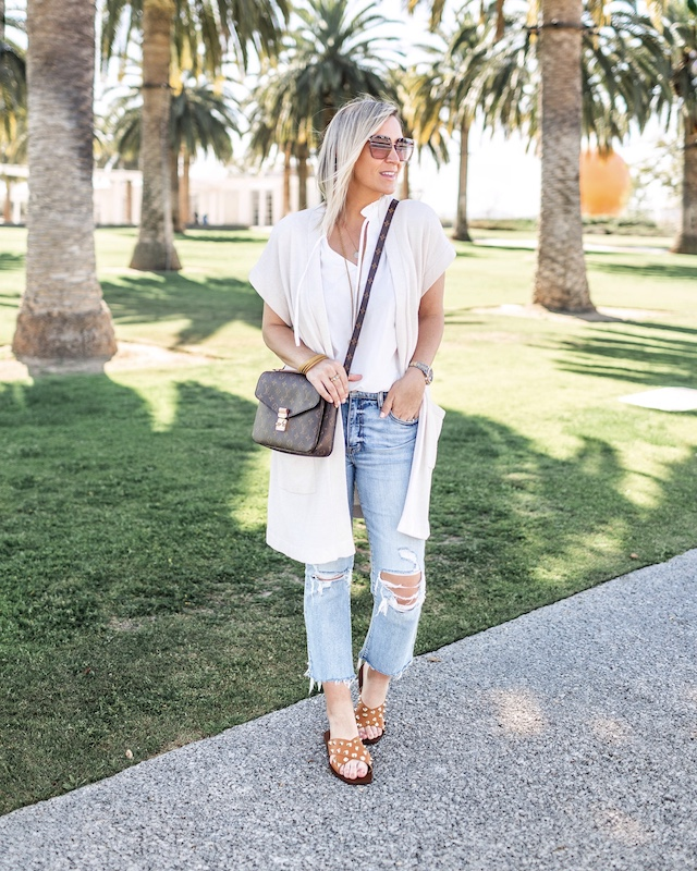 Daze denim, Carve Designs blouse, Barefoot Dreams sweater, Steve Madden sandals | My Style Diaries blogger Nikki Prendergast
