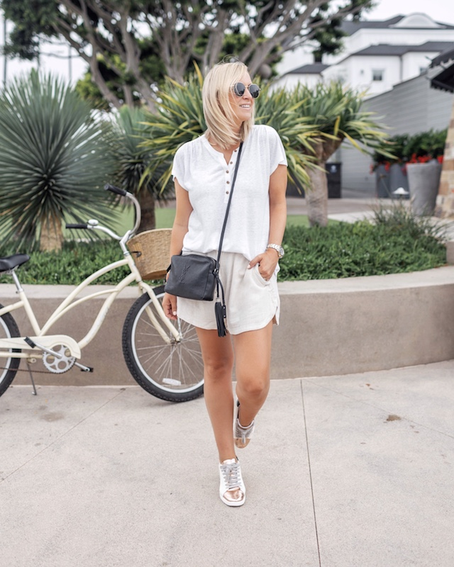 Easy summer uniform - linen shorts, breezy tees, and sneakers | My Style Diaries blogger Nikki Prendergast