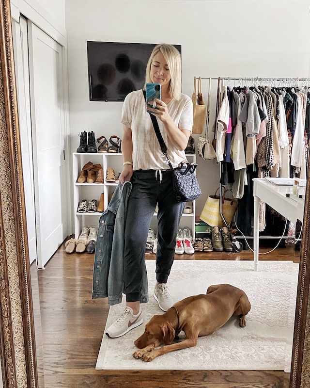 The best Vuori joggers | My Style Diaries blogger Nikki Prendergast