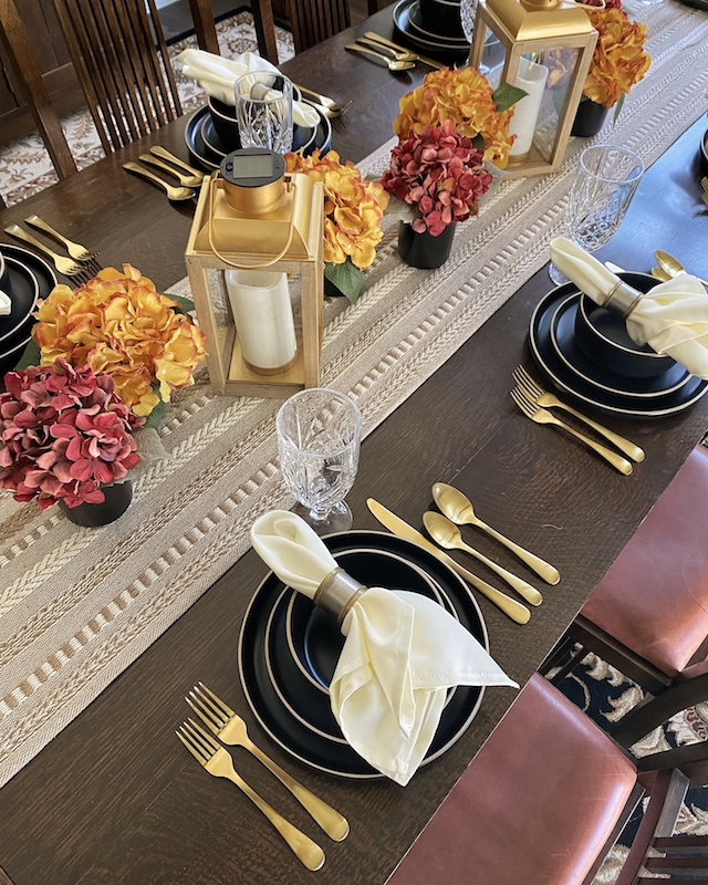 Fall Dining Room Decor from Walmart Home | My Style Diaries blogger Nikki Prendergast